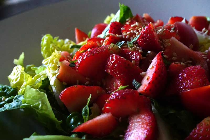 Erdbeersalat-mit-Estragon