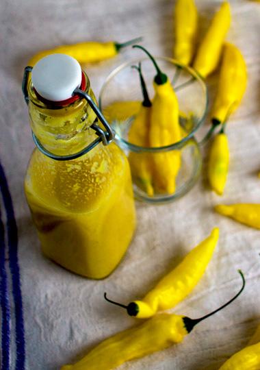 Gelbe Chilisauce mit Lemon Drop